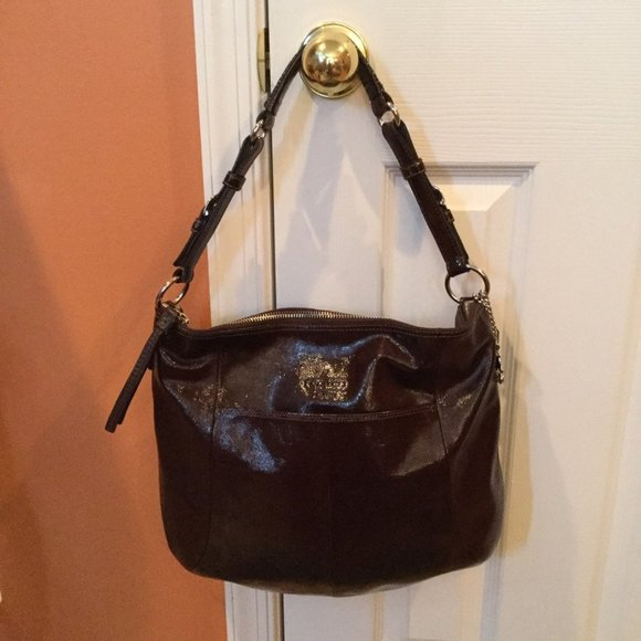 COACH Handbags - 💯 Authentic 😍LARGE COACH PATENT LEATHER HOBO😍